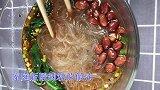 家庭版酸辣粉的做法,酸辣鲜香,制作方法简单,学会在家自己做