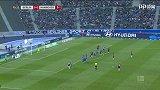 第56分钟汉诺威96球员穆斯利亚射门