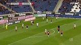 第29分钟汉诺威96球员尼古拉·穆勒射门