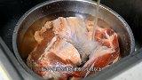适合家庭制作的酱牛肉配方,用料简单,酱香浓郁,紧实不散花