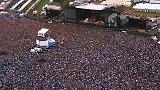 迈克尔杰克逊的演唱会都是人山人海, 医疗队都得在