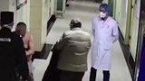 喝完二斤白酒去医院耍酒疯  天津男子赤裸上身殴打医护人员被拘