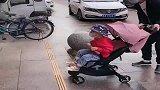 爸爸日常带娃,解锁了更多新技能!