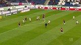 第28分钟汉诺威96球员华莱士射门