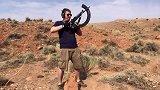AK突击步枪配备加长弹匣射击测试,老外真会玩!