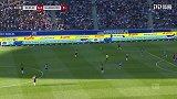 第34分钟汉诺威96球员原口元气射门