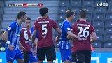 第51分钟汉诺威96球员马尼亚射门