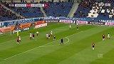 第31分钟汉诺威96球员科布射门