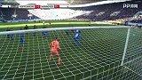 第25分钟汉诺威96球员维默尔射门