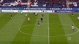 第6分钟汉诺威96球员尼古拉·穆勒抢断成功