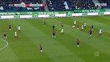 第61分钟汉诺威96球员维丹特犯规