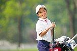 """刘国梁8岁女儿又拿高尔夫冠军!谈偶像伍兹""""他眼里都是杀气"""""""